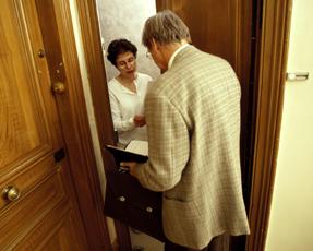 Évitez les recours et les visites de huissier